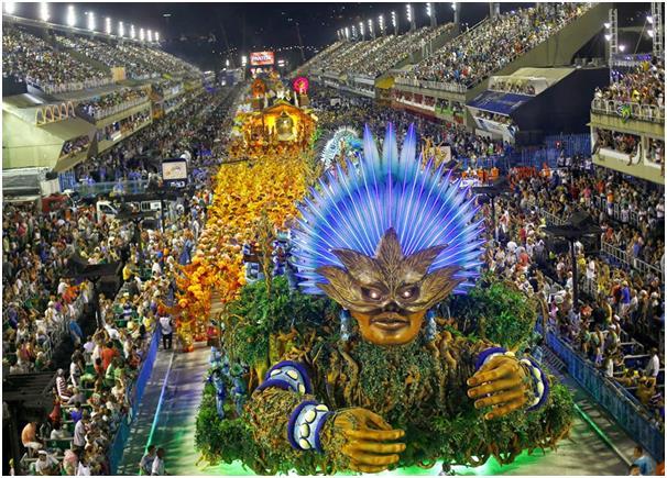 """كرنفال رقصة """"السامبا"""" في مدينة """"ريو دي جانيرو"""" البرازيلية."""