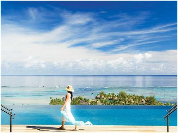 """هذا فيما احتلت جزيرة """"موريا"""" المركز الخامس، بواقع 472 دولارّا متوسط سعر الغرفة الفندقية فيها."""