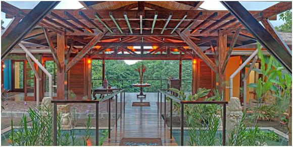 """فندق """"Nayara Springs"""" في """"كوستاريكا"""":-  ويقع في منتزه """"بركان أرينال الوطني""""، ويضم العديد من النوادي الصحية، والمطاعم، ودروس """"ا"""