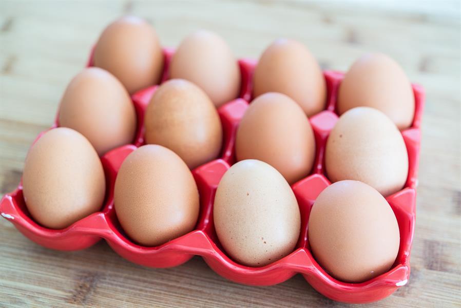 4) البيض: