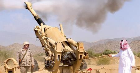 وزير التعليم يشارك المرابطين بالحد الجنوبي قصف مواقع الحوثيين