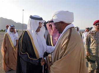 رئيس السودان يصل إلى المدينة المنورة