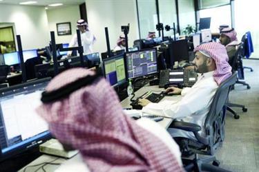 """""""العمل"""" تنفي إيقاف دعم رواتب السعوديين في القطاع الخاص"""