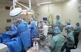 الصحة يفصل طبيباً استشارياً سعودياً بعد إدانته بالتحرش بمريضة