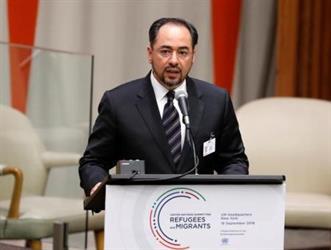 البرلمان الأفغاني يقيل ثلاثة وزراء بينهم وزير الشؤون الخارجية