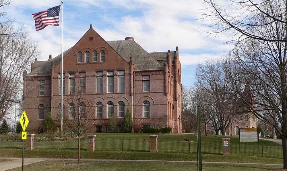 7- سجن يانكتون فيدرال كامب (ولاية ساوث داكوتا الأمريكية)