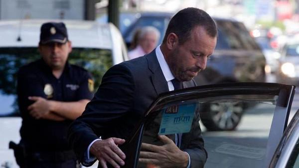 الشرطة الإسبانية تقبض على رئيس برشلونة