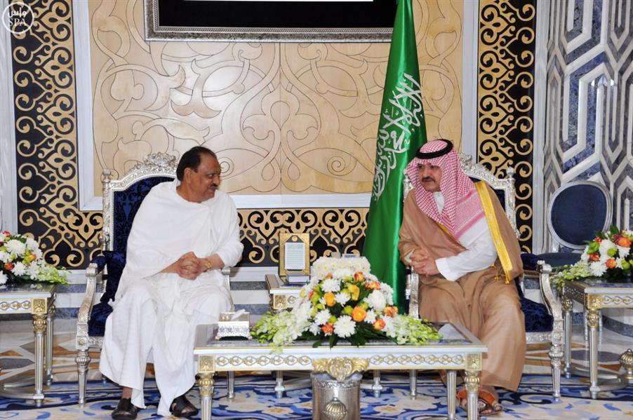 الرئيس الباكستاني يصل جدة لأداء مناسك العمرة وزيارة المسجد النبوي الشريف