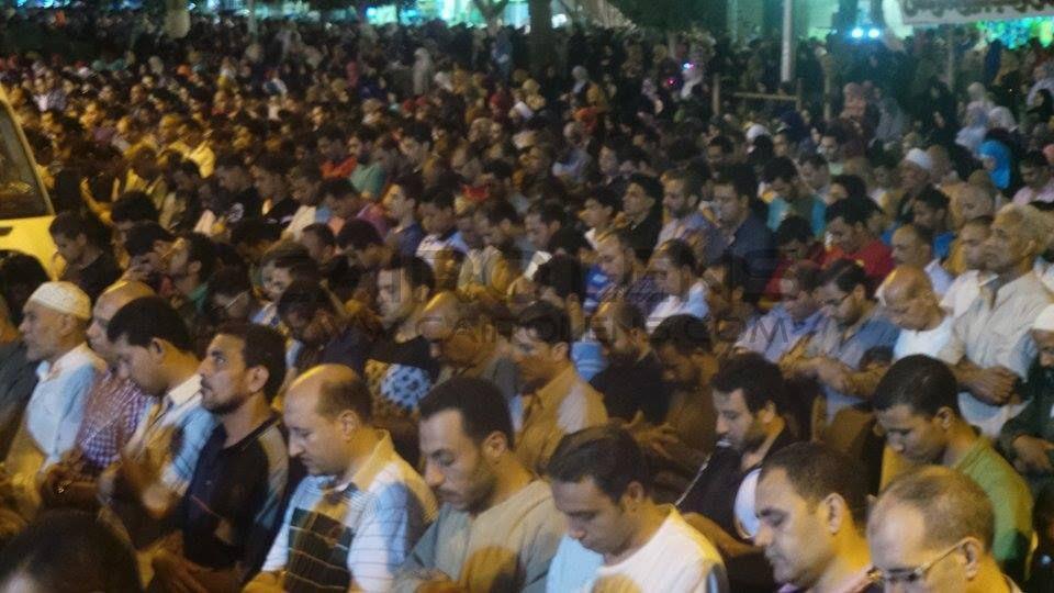 صلاة التراويح في مسجد عمرو بن العاص بالقاهرة