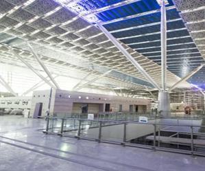 شاهد.. سير العمل في مطار الملك عبدالعزيز الجديد بجدة