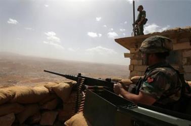 """جيش لبنان: مقتل قيادي في """"داعش"""" واعتقال 10 قرب حدود سوريا"""
