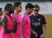 مدرب برشلونة يؤكد إشراك سواريز في الكلاسيكو