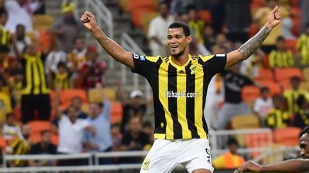 """رسميًا.. لاعب الاتحاد السابق الفنزويلي """"ريفاس"""" ينضم للهلال"""