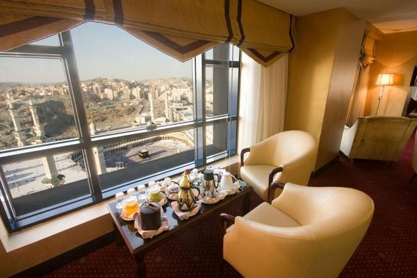 فصل 50 سعودياً من فندق بمكة