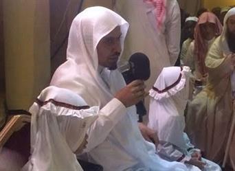 الشيخ الحمودي يستضيف طفلتين وعدهما بالحج لتميزهما في مسابقة للقرآن بإندونيسيا (فيديو)