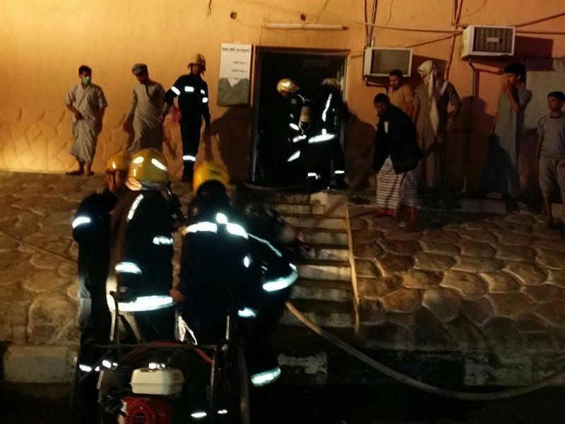 بالصور.. حريق بمستشفى العارضة بجازان وإخلاء جميع المرضى