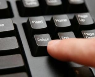 الانتحار من الشبكة العنكبوتية.. كيف تقوم بمسح كافة بياناتك من الإنترنت للأبد؟