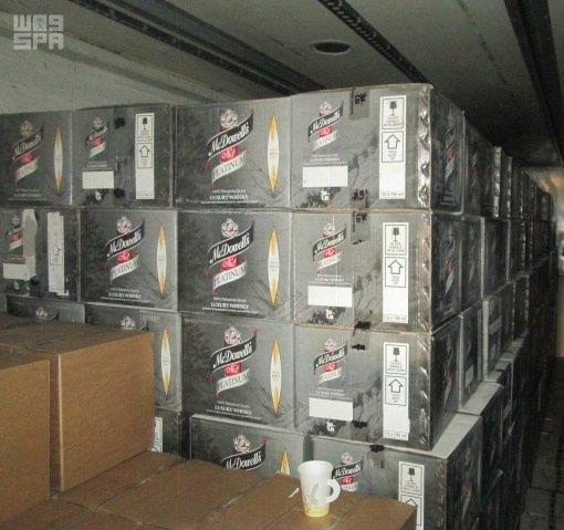 جمرك جسر الملك فهد يحبط أكثر من 18 ألف زجاجة خمر