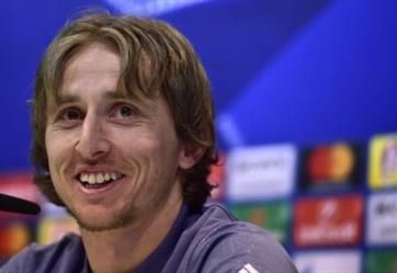 لوكا مودريتش: أشكر الرب أن مارادونا لا يلعب كرة القدم