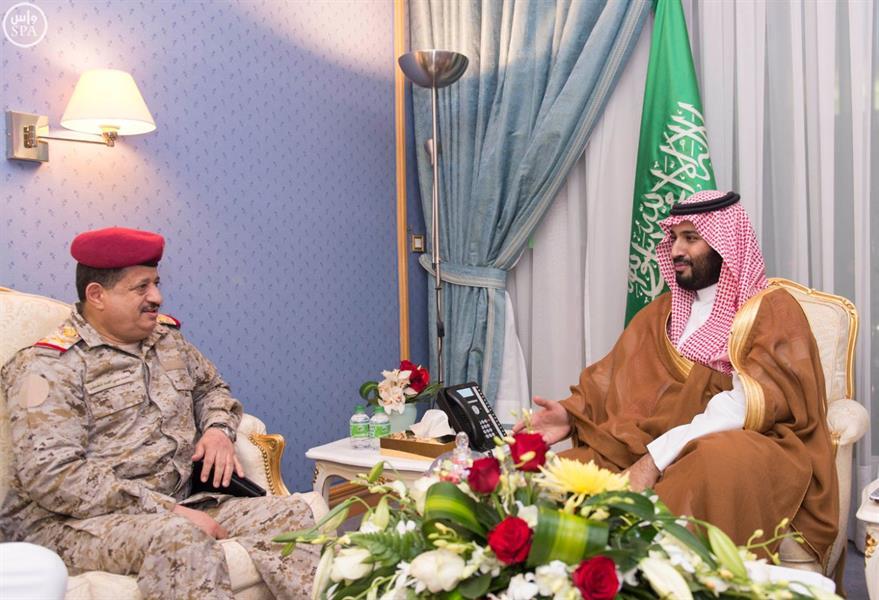 سمو ولي ولي العهد يستقبل رئيس هيئة الأركان العامة اليمني