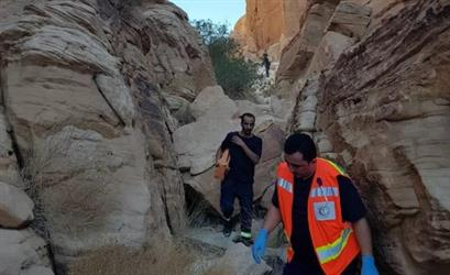 إنقاذ مواطن محتجز بواسطة طائرة الإخلاء وفرق الإنقاذ بتبوك