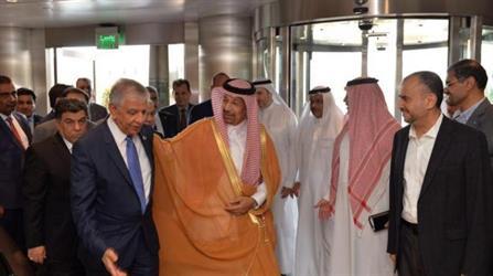 وزير الطاقة السعودي خلال استقباله وزير النفط العراقي في جدة