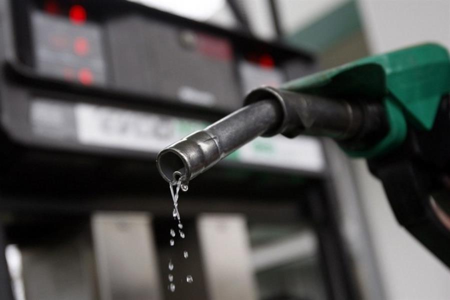 رائحة الوقود: كثير من قائدي المركبات لا يجد ضرراً في استنشاق رائحة الوقود، إلا أن الباحث الدوسري يرى أن لمسه واستنشاق رائحته ي