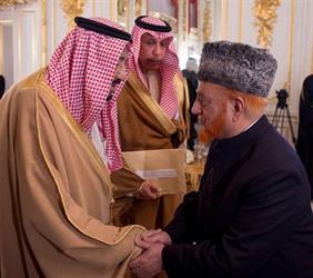 خادم الحرمين الشريفين يستقبل عدداً من الشخصيات الإسلامية في اليابان