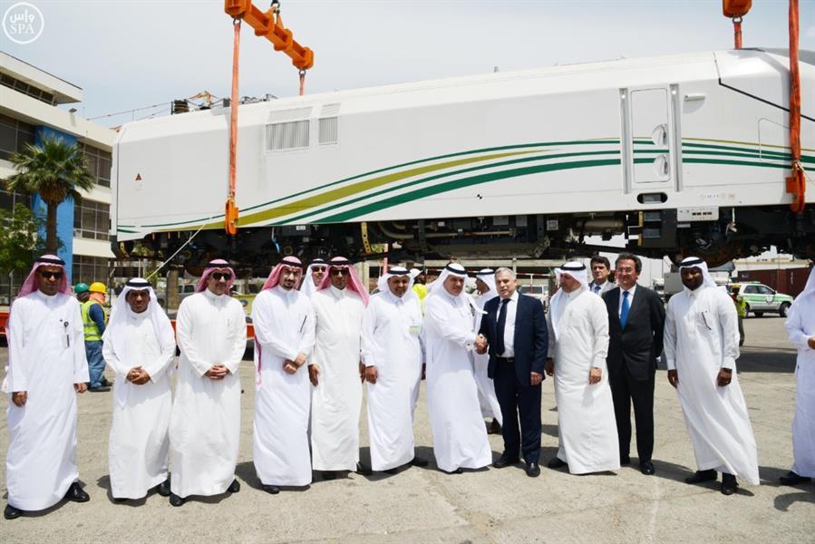 """بالصور.. وصول القطار الرابع لمشروع """"قطار الحرمين السريع"""" إلى ميناء جدة"""