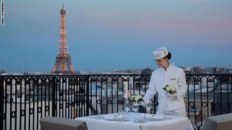 """فندق """"بينينسولا باريس"""" في باريس، فرنسا"""