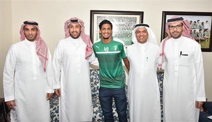 أحمد الزين أهلاويا حتى 2021