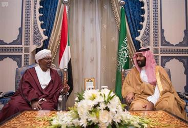 ولي العهد يلتقي الرئيس السوداني في جدة