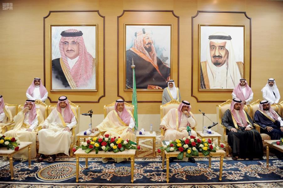 بالصور.. وصول الأمير حسام بن سعود إلى الباحة لمباشرة مهامه أميراً للمنطقة