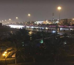 بالفيديو.. أمطار غزيرة على مدينة الرياض مصحوبة ببرق ورعد