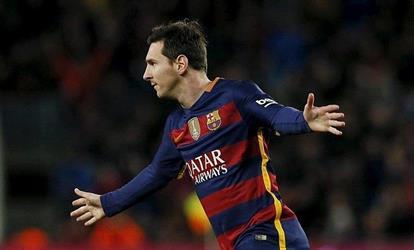 بالفيديو .. ميسي يكسر حاجز الـ 300 هدف ويقود برشلونة لتعزيز الصدارة
