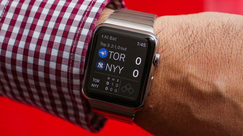 آبل تعمل على سِوارات ذاتية التموضّع حول المعصم لساعتها الذكية Apple Watch