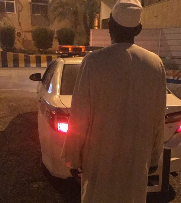 """""""مرور الرياض"""" يقبض على سائق شاحنة قاد عكس اتجاه السير"""