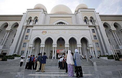 ماليزيا: الحكم بتعويض ريال لسعودية