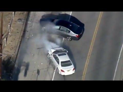 مطاردة سيارة مسروقة تنتهي بحادث سير في لوس أنجلوس