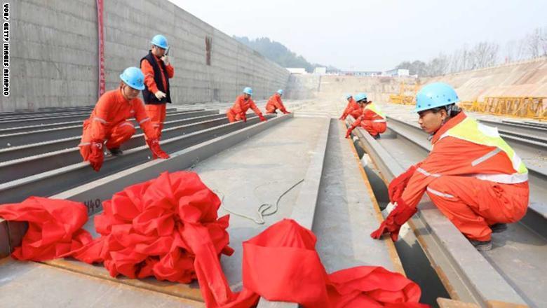 تقوم الصين حالياً ببناء نسخة مماثلة بذات حجم السفينة الأصلية في مقاطعة سيتشوان،