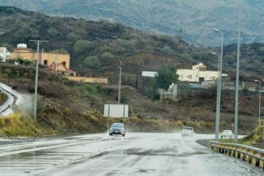 مدني عسير يحذر من هطول أمطار غزيرة اليوم على منطقة عسير