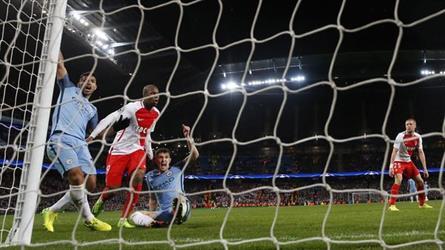 مانشستر سيتي وأتليتكو مدريد يقتربان من ربع النهائي