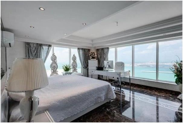 توفر هذه الشقة في شاطىء الرمال بمساكن شاطىء الجميرا، إطلالة كاملة على جزيرة نخلة الجميرة وفندق برج العرب وجزر العالم.