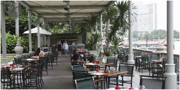 """فندق """"شبه جزيرة بانكوك"""" (The Peninsula Bangkok): - ويعد هذا الفندق أحد أجمل فنادق العاصمة التايلاندية، ويطل على نهر """" تشاو فرا"""