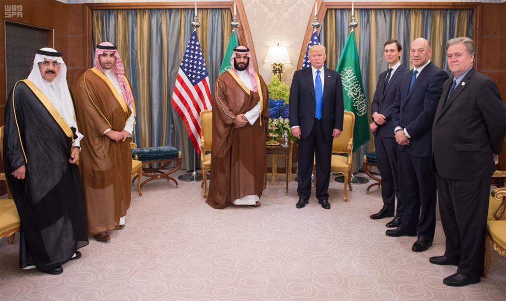 بالصور.. الرئيس ترامب يستقبل الأمير محمد بن سلمان في مقر إقامته