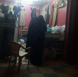 صامطة: مواطن يوثق بجواله قيام خياط بأخذ مقاسات النساء بنفسه.. والهيئة تبادر بتوقيفه