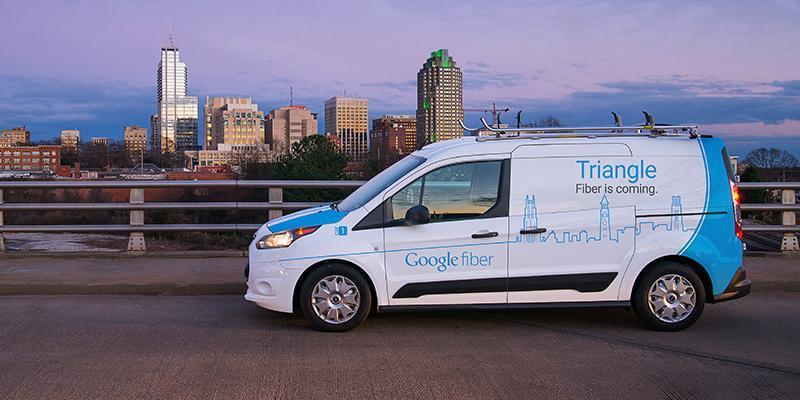 """أعاد تنظيم الهيكل الإداري للشركة وقبل نهاية 2012، كان قد أطلق """"جوجل بلس"""" و""""جوجل جلاس"""" وخدمة إنترنت فائق السرعة والعديد من التق"""