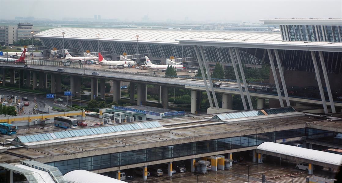 7 - تسبب انفجار وقع في منتصف يونيو الجاري في منطقة التفتيش بالمطار الدولي الرئيسي في شنغهاي بالصين في إصابة 4 أشخاص، والذي نفذ