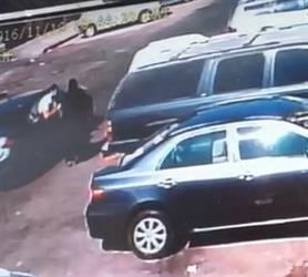 شرطة الشرقية تقبض على اللصين اللذين سرقا شنطة سيدة وأوقعاها أرضا بالخبر (فيديو)