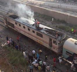 في ثان حادث خلال 24 ساعة.. اندلاع  حريق بأحد القطارات في مصر (صور)